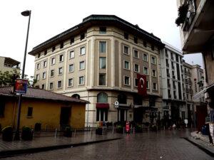 L' Hôtel Senator